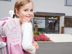 Для обращения в поликлинику или поступления в школу ребенок должен иметь регисрацию