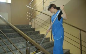 Кто отвечает за чистоту в подъезде и как часто должны убирать в нем