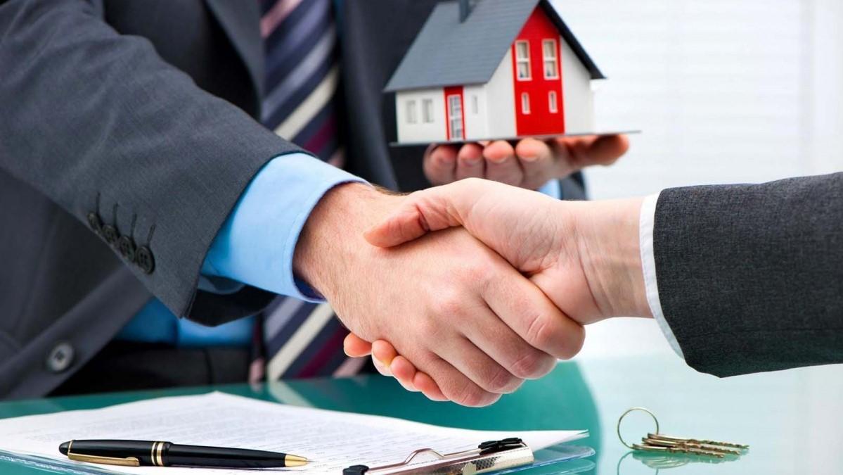 Кому передать квартиру в доверительное управление